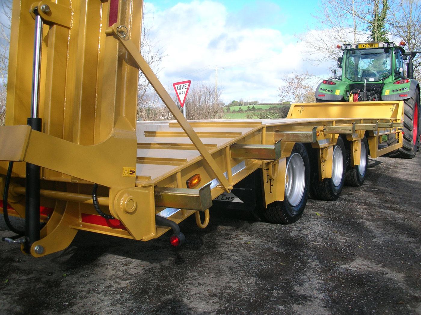 33T Gross Tri-Axle Low Loader