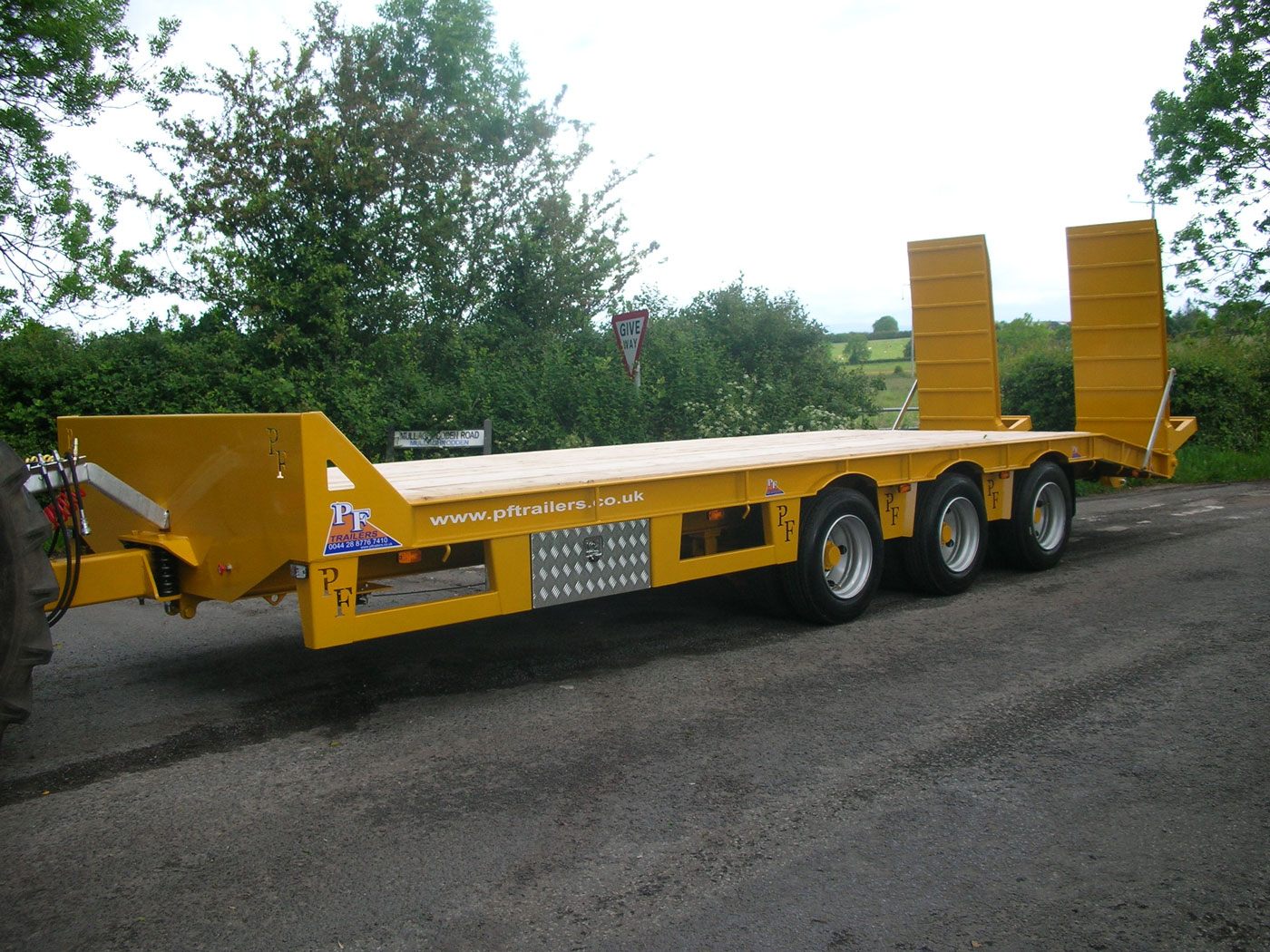 27T Gross Tri-Axle Low Loader