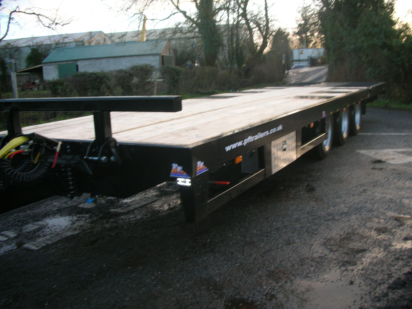 27T Hydraulic Beavertail Trailer